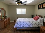 Master bedroom with Queensize-bed