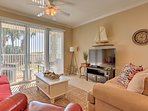 This 2-bedroom, 2-bathroom condo hosts up to 6 guests for a quintessential Gulf Coast escape.