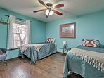 The fourth bedroom (Land of Enchantment) has a New Mexico style and 2 twin beds.