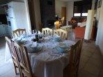 Zona comedor abierta a salón y cocina. Casa Toscá 14