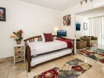 Hawaiian Style Condo with Trundle Bed and Flat Screen TV