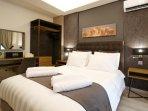 Master, King Size Double Bedroom, 200 cm x 180 cm