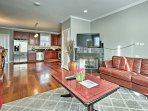 Luxe Chicago Townhome w/ Balcony - 20 Mins to DT!