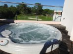 Temperate jacuzzi on private roof terrace