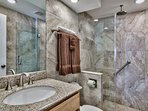WALK in Glass /Tile Shower SOOTH BODY