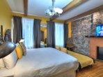 bedroom 2 - king bed, TV