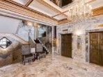 Lobby/Elevator Area