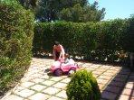 Jardin privado con acceso a piscina
