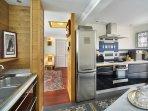 Une cuisine rationnelle et esthétique. Appartement Mogador Honfleur