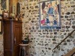 Entrée de l'Appartement Mogador dans un ensemble du XIXe restauré au cœur de Honfleur.