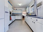 Large fully fitted kitchen