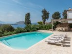 Angelika's Residence with private swimming pool and sea view