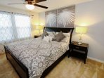 Upstairs King Master Bedroom w/En-Suite Bath & Flat Screen TV w/Cable