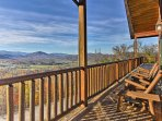 Welcome to 'Beary Viewtiful,' a stunning 5-bedroom, 4.5-bath vacation rental cabin in Pigeon Forge!
