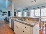 Create home-cooked meals in this fully equipped kitchen!