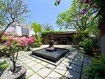 Majapahit Beach Villas - Entrance courtyard