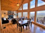 Open Design to Enjoy Mountain Views