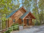 Beautiful, Secluded Log Cabin