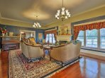 Enjoy tasteful Victorian-style decorations and furnishings in this 4-bedroom house.