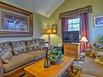 With over 1,000 square feet of homey living space, this property comfortably hosts 8.