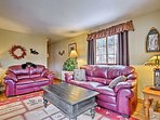 Make yourself comfortable in this fully furnished living space.