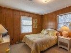 Bedroom w/ Queen & Single Bunk Beds