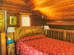 Lots of red cedar wood, high ceiling and Quisco wood furniture. Magical place to sleep.