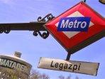 Para de metro cercana a casa. 7 min a pie. linea directa a Sol- centro antiguo 20 min