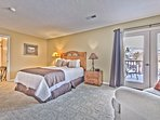 Master Suite-Queen Bed,TV, Private Bath, Sitting Area and Balcony