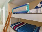 Safe and confortable bunk beds
