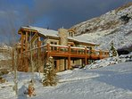 5 + Bedroom Vacation Home with 10-person Hot Tub Near Cottonwood Canyons
