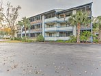 Located within 20 minutes of Myrtle Beach's main attractions, this condo provides guests with unbeatable access to the...
