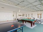Fantastic games room - all you need to have fun!