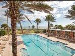 Oceanfront pool & hot tub