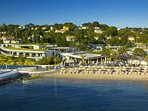 Public and private beaches with food and drink facilities, all within 5 minutes walk.