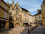 Sarlat by day...