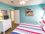 New floors throughout entire 2nd floor. Queen size bed with updated bedding