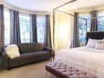 Amazing Art Deco Apartment