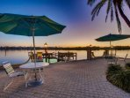 Imagine sitting by the bay enjoying a glass or wine every day on your vacation......Fish lights under the pier attract...