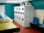 24/7 Onsite Laundromat