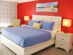 Luxurious KING size bed with Gel Memory Foam Mattress