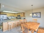 Keep the chef company at the 4-person breakfast bar!