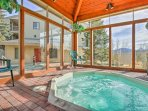 Enjoy relaxing evenings in this shared spa-like Jacuzzi with unobstructed mountain vistas.