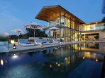 Villa Aqua - Nighttime ambience