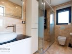 Bathroom 4, Surface: 5 m²