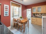 Good sized kitchen & dining space with gas hobs