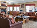 Lobby Lounge & Concierge Desk