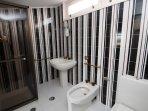 Olive Room en suite shower room