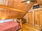The loft sleeps 4 on a queen bed and twin-over-full bunk bed.
