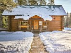 Bordering Glacier National Park and the Bob Marshall Wilderness area, this cozy cabin is a wilderness paradise.